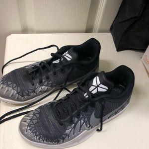 Size 6Youth Kobe Basketball Shoes.